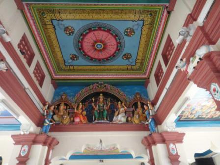 インド寺院の中